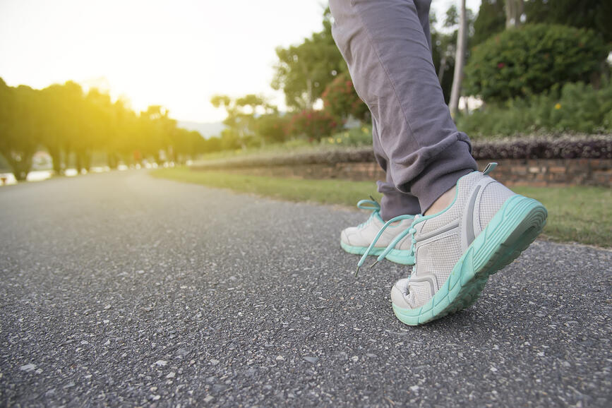 How to Stay Fit While Traveling for Locum Tenens