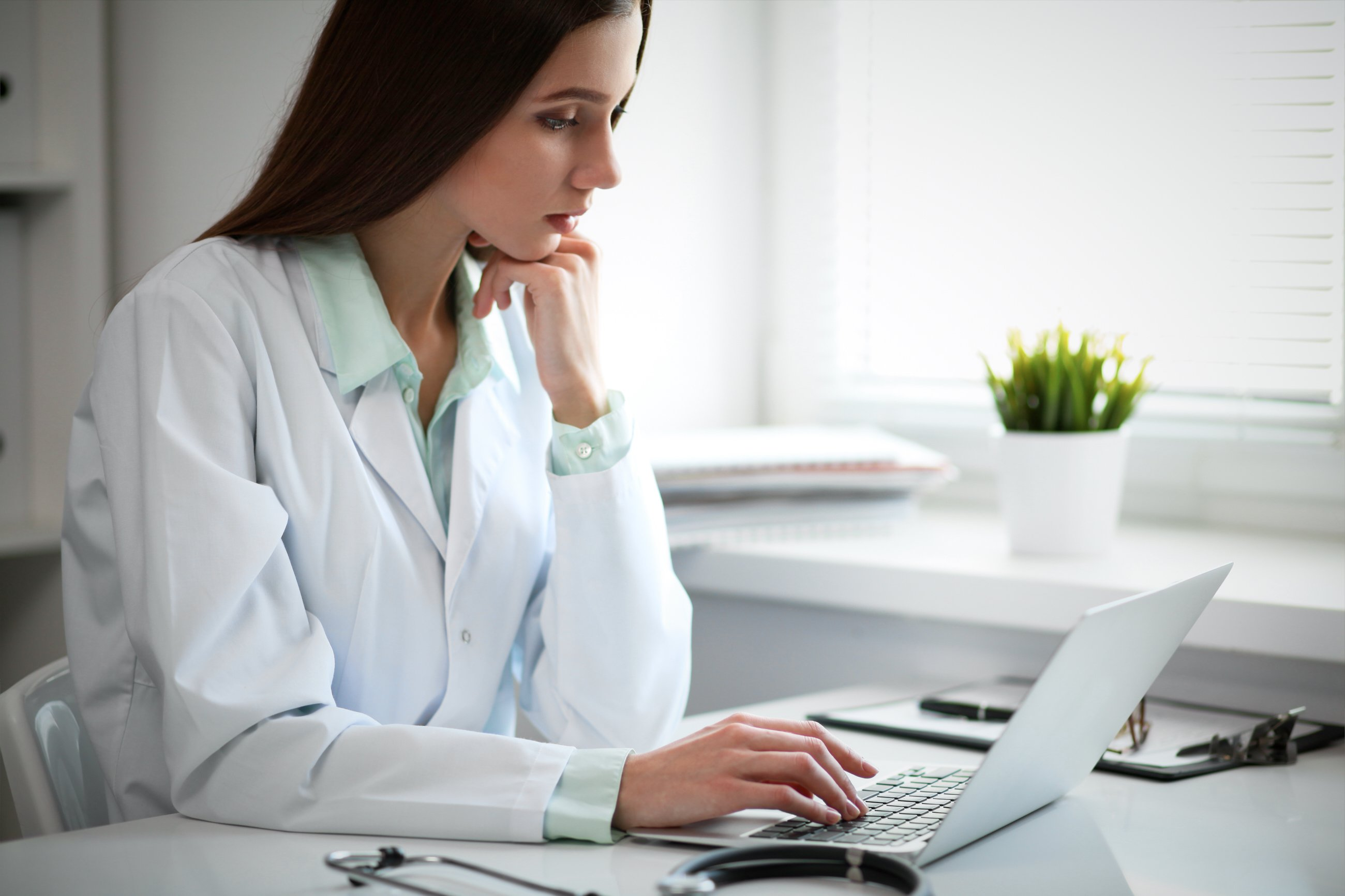 Working Locum Tenens Spotlight on EMRs EHRs